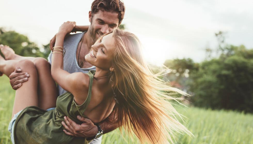 EKSTREMSPORT: - Det er ekstremsport for følelseslivet å dele livet med en person, og så oppleve at den personen kommer hjem og er nyforelsket i noen andre eller nettopp har hatt sex med noen andre, sier Alstad. FOTO: NTB