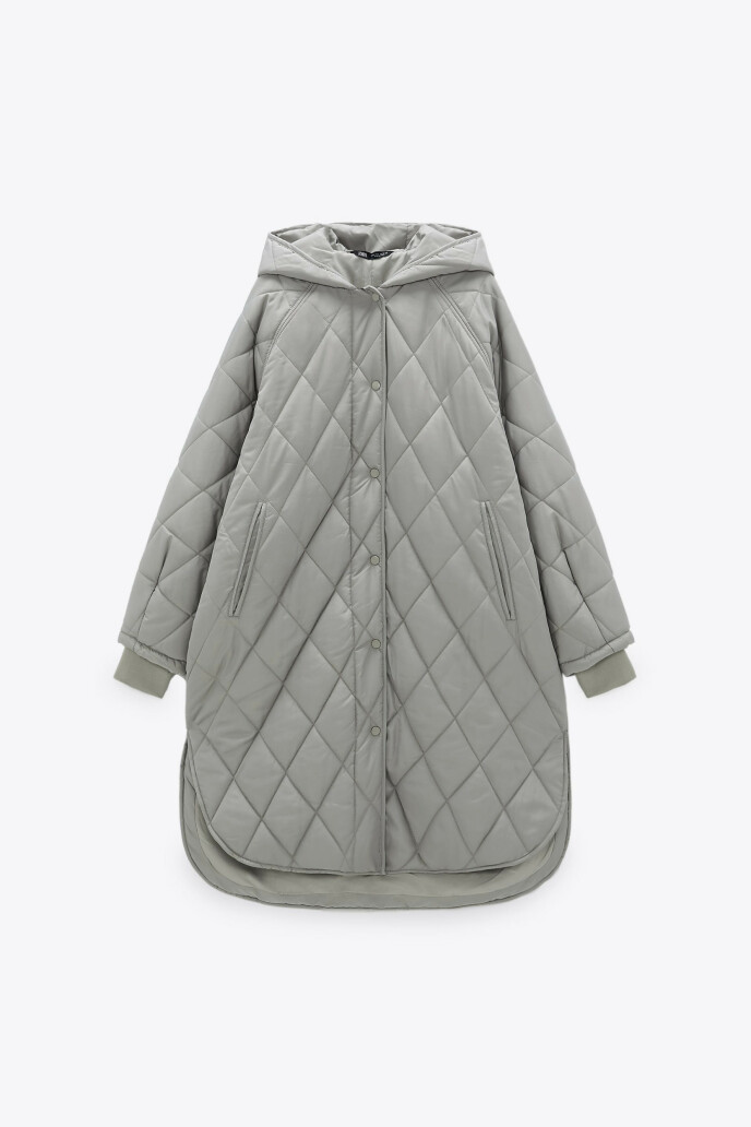 Grå og vattert (kr 750, Zara).