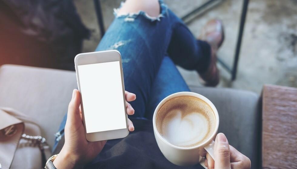 INDIVIDUELT: Noen av oss kan fint drikke mange kopper kaffe om dagen, mens andre må passe på inntaket. FOTO: NTB
