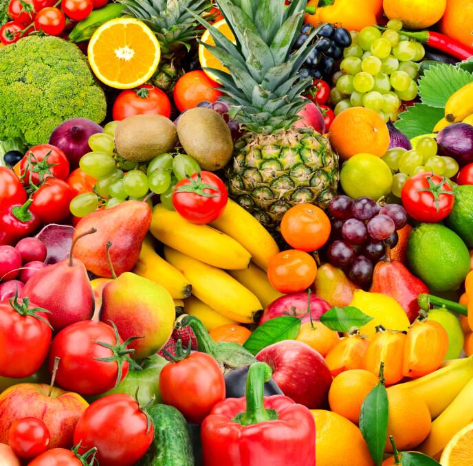 VIKTIG: Mye vann, frukt og grønt er viktig for at huden skal være på sitt beste! Foto: NTB