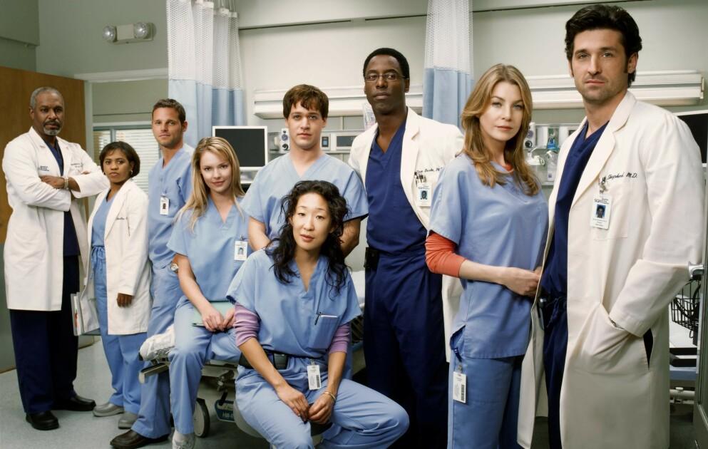 BEGYNNELSEN: Slik så det ut da «Grey's Anatomy» kom på lufta i 2005. Bare tre av karakterene på dette bildet er med i serien i dag. FOTO: NTB