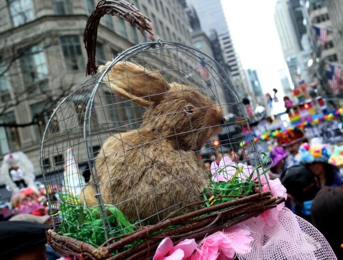 UNDERLAND: Folk strømmet til under påskeparaden i New York i 2019. Her fra Manhattans Fifth Avenue. FOTO: NTB