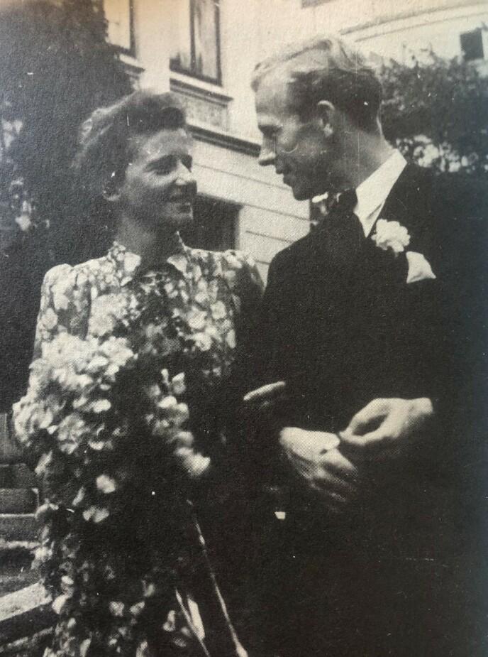 BRYLLUP: Bittema giftet seg med Johs. Knutsen den 7. august 1948. De møttes mens de begge satt fanget på Grini under krigen. FOTO: Fra boken «Bittema - gjennom KZ til friheten» // Cappelen Damm