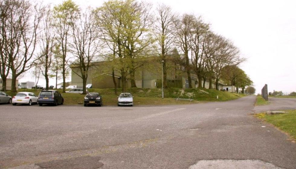 FALLET: Det var her på Netheravon Army Parachute centre at Victoria Cilliers' fallskjerm ikke åpnet seg, og Victoria styrtet mot bakken. FOTO: NTB