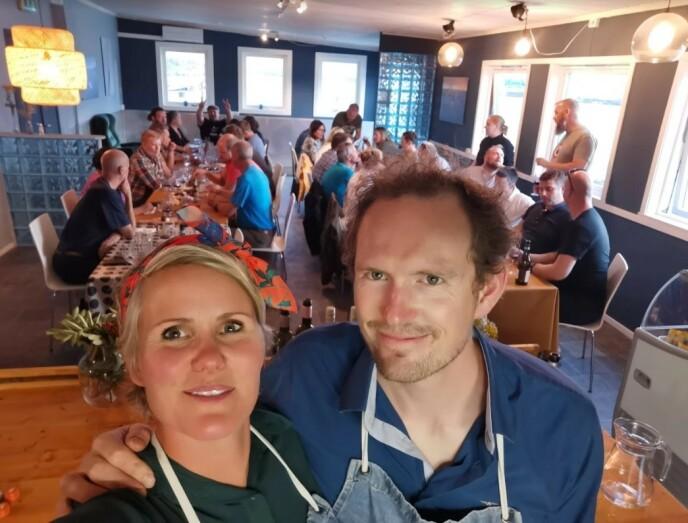 VEL GJENNOMFØRT: Linda og Emil fotografert på den aller siste dagen av rekordsesongen 2020. FOTO: Privat