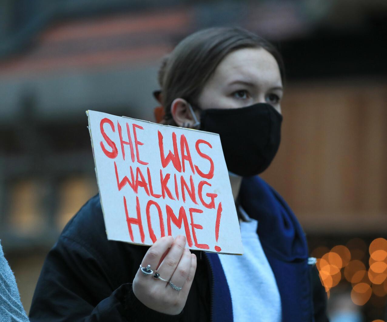 DEMONSTRASJONER: I kjølvannet av det brutale drapet har briter demonstrert i Londons gater. FOTO: NTB