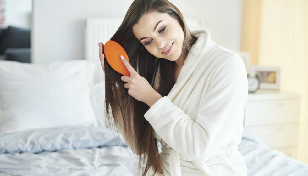 HÅR: Hvor ofte og når børster du håret ditt? Frisører gir sine beste tips! FOTO: NTB