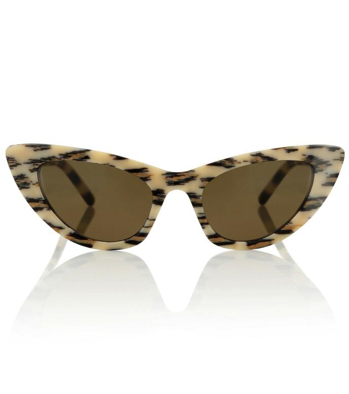 Med leopardmønster (kr 2250, Saint Laurent).