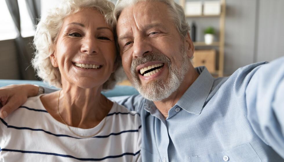 """SELFIE: Lykkelige par har større sannsynlighet for å kommentere eller """"like"""" kjærestens Instagram-innlegg. FOTO: NTB"""