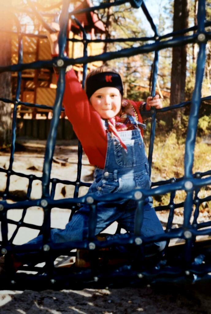 AKTIV: Camilla hadde en aktiv og fin barndom. FOTO: Privat