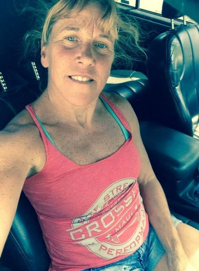 SPREK: Barbara Higgins har drevet med idrett hele livet, og de siste årene har hun vært aktiv på crossfit-fronten. FOTO: Skjermdump Facebook