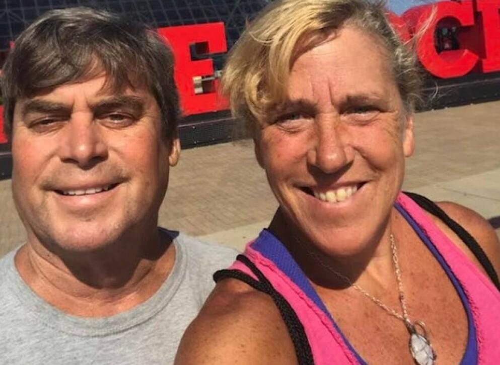GRAVIDITET: Ved hjelp av IVF-behandling ble den amerikanske læreren Barbara Higgins gravid, og i mars ble hun og ektemannen Kenny Banzhoff foreldre til sønnen Jack. FOTO: Skjermdump Facebook