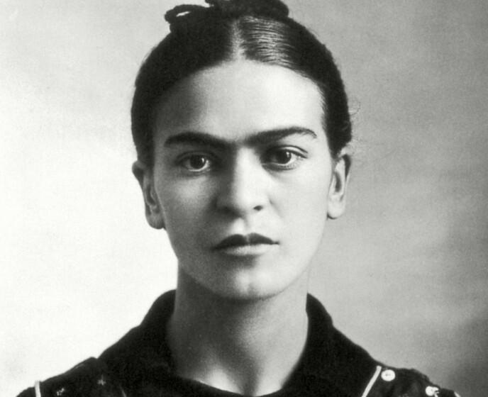 FRIDA SOM UNG: Hun skulle bli legendarisk både som kunstner og som personlighet. Foto: NTB
