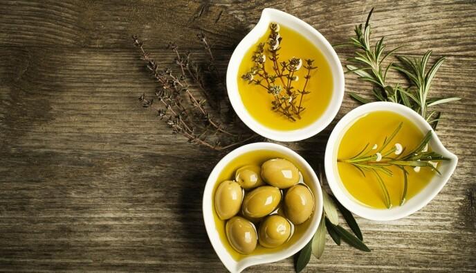 MALLORCAS GULL: Olivenoljen som produseres på Mallorca er både sunn - og fantastisk velsmakende! Foto: Turespaña/Dusan Zidar