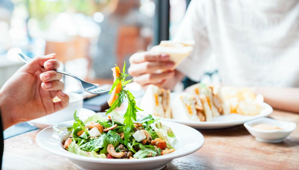 SUNT ELLER USUNT: Vi har samlet en liste over matvarer som mange kanskje er usikre på om er sunne eller ikke. Hva tenker ernæringsfysiologene? FOTO: NTB
