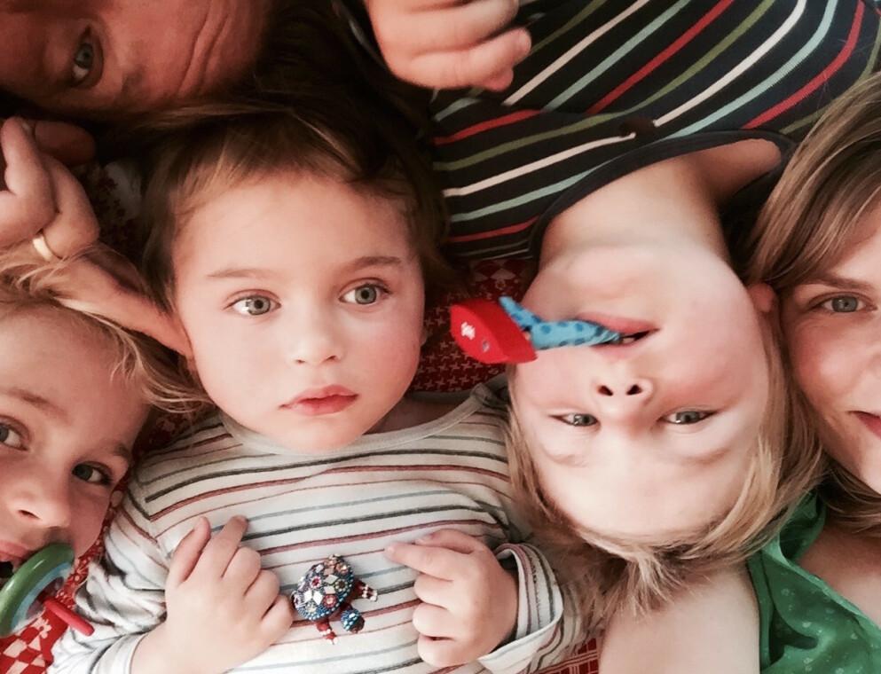 BOKEN OM EINAR: Da Einar ble født var han like frisk som storesøsknene. To år senere fikk foreldrene Miriam og Torkil den fryktelige beskjeden. Nå har historien om Einars liv blitt til bok. FOTO: Privat