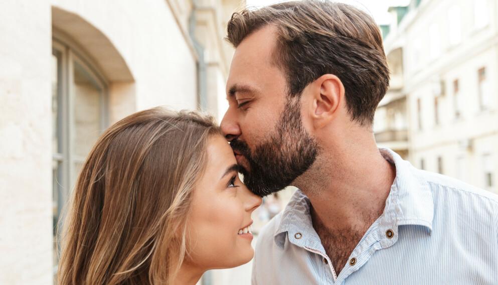 KJÆRESTER: Går du rundt med en dårlig magefølelse i ditt nye forhold, uten at du klarer å sette fingeren på hva det er? Det kan godt tenkes at du bør ta den magefølelsen på alvor. Foto: NTB