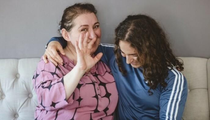 GOS STØTTESPILLER: Seher kan takke mammaen sin for at hun har fått lov til å holde på med så mange forskjellige aktiviteter. Foto: Privat