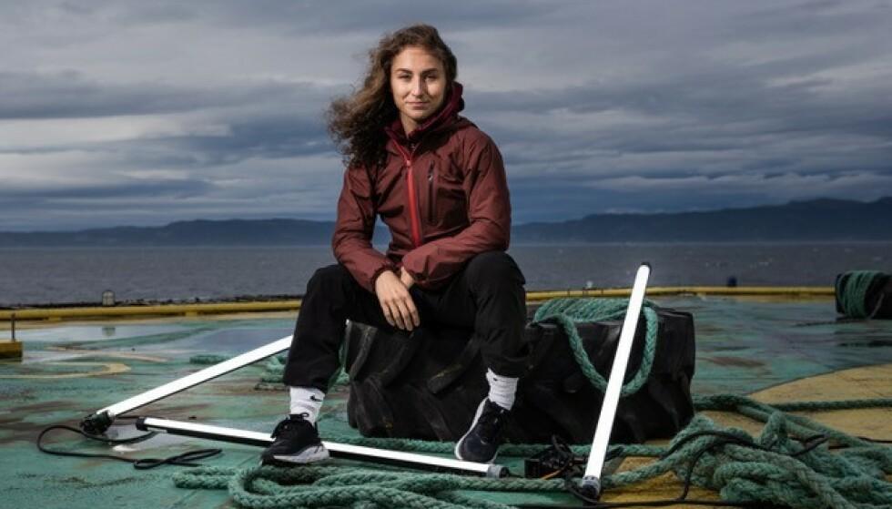 ET FORBILDE: Seher har fått mange tilbakemeldinger fra yngre jenter som har fulgt med på konkurransen, og ønsker å bil som henne. Foto: Erlend Lånke Solbu (NRK)