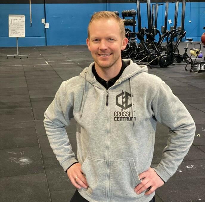 CROSSFIT: Jørgen Vaule har tatt kurs i crossfit, og jobber nå som daglig leder ved CrossFit Centrum. Foto: Privat