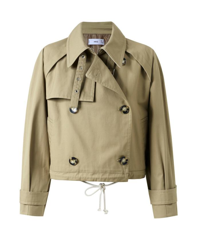 Kort jakke (kr 900, Mango).