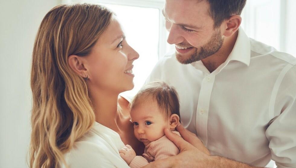 FORELDRE: Vi blir sterkt påvirket av våre foreldre. Men hvor like vi blir dem, avhenger av hvor bevisste vi er på det, forteller psykolog. FOTO: NTB