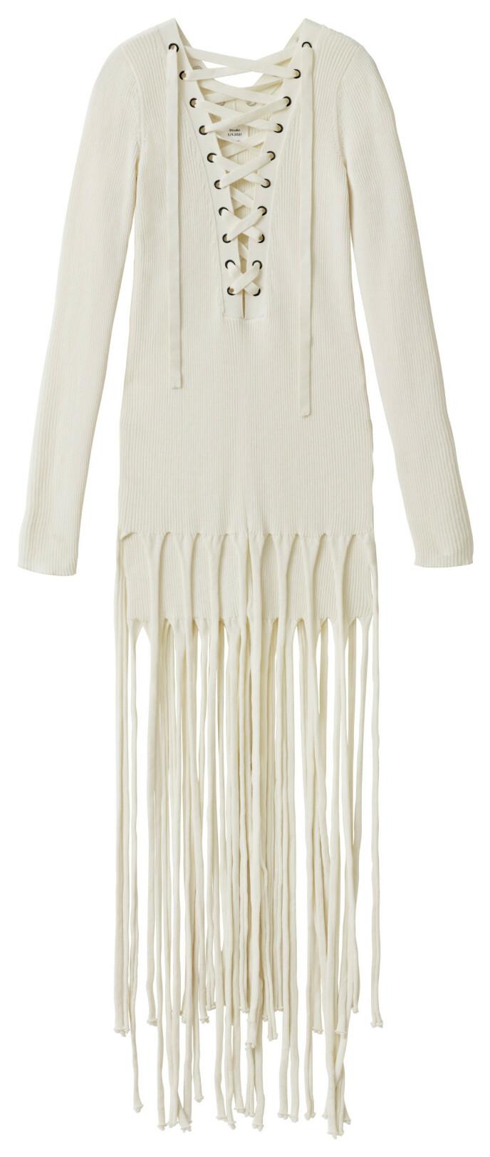 Kjole med frynser (kr 1000, H&M Studio).