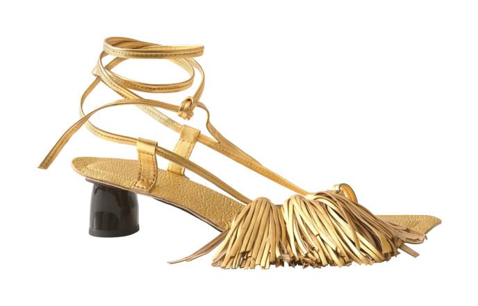 Sandaler med frynser (kr 1000, H&M Studio).