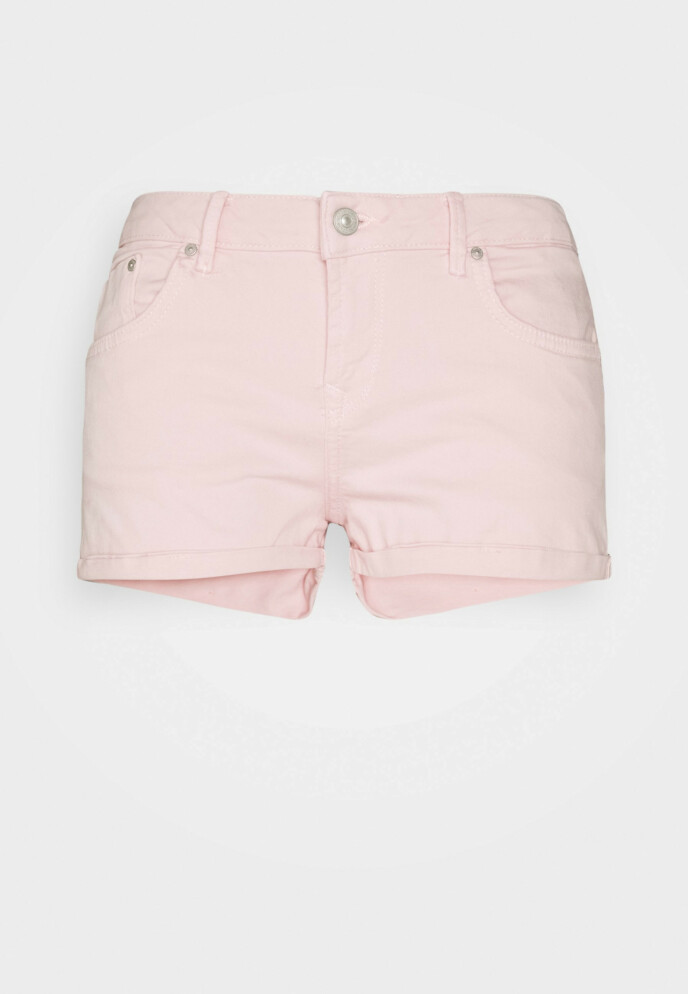 Shorts (kr 300, Ltb/ zalando.no).
