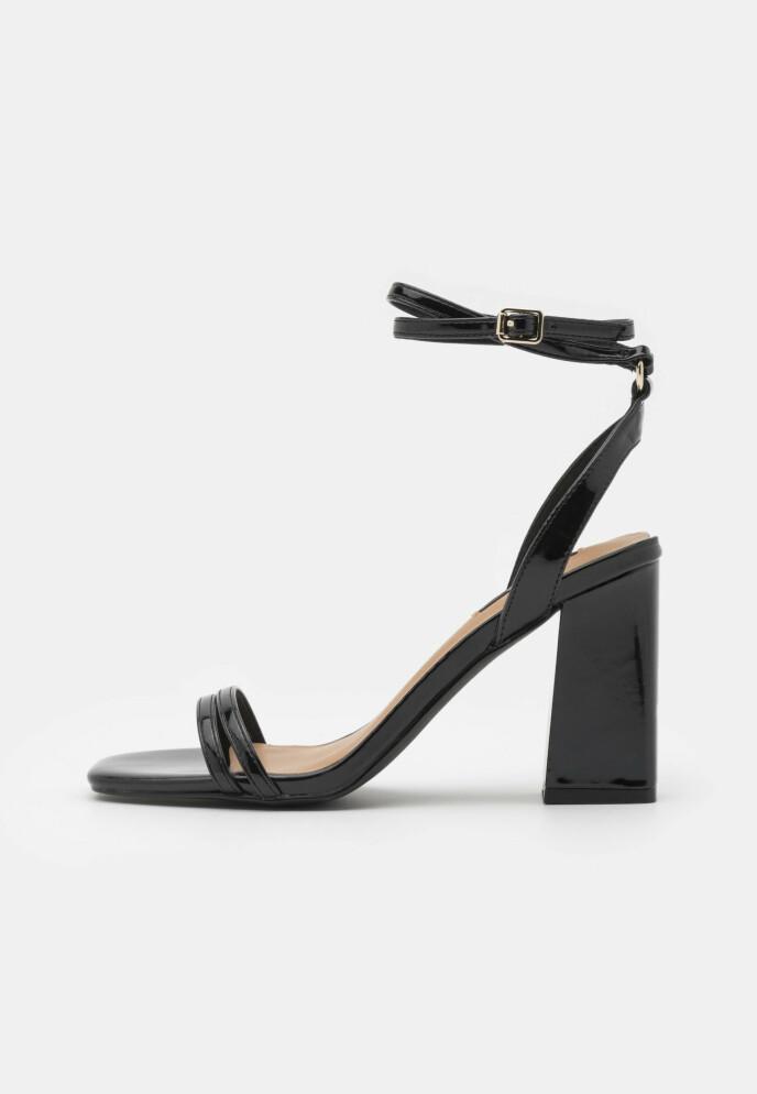 Høyhælte sandaler (kr 430, Only).