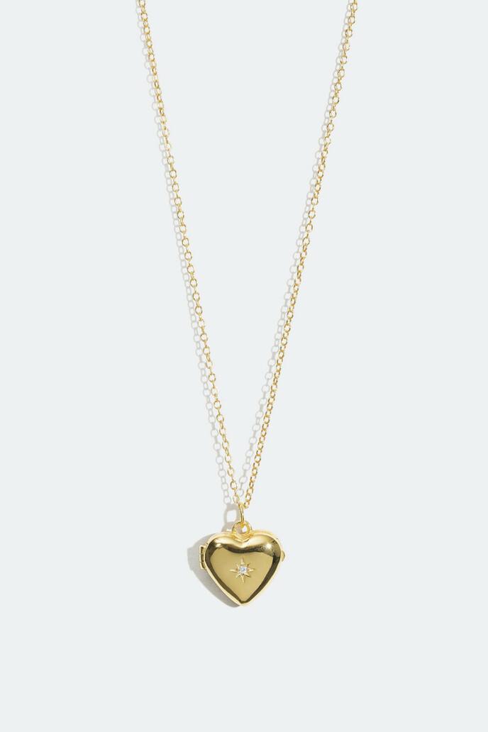 Halskjede med hjerteanheng (kr 150, Glitter).