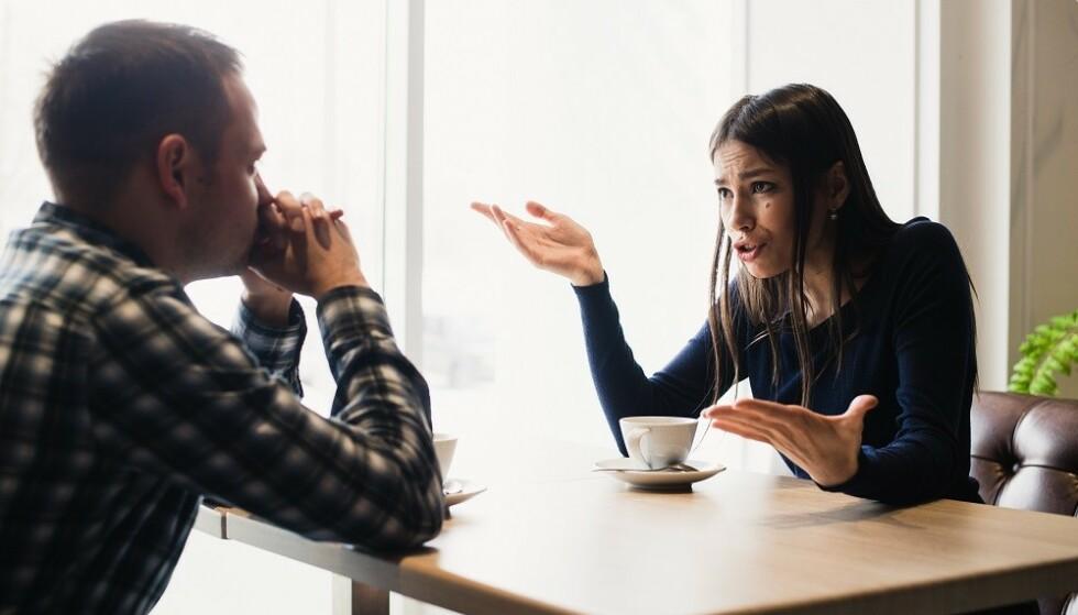 UNNGÅ KJEFTING: Generelt er det best å snakke om ting før det blir eksplosivt. FOTO: NTB