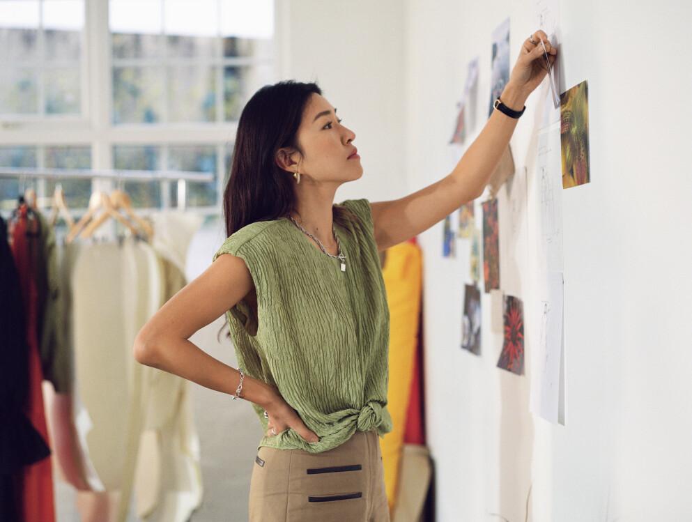 NY SAMARBEIDSKOLLEKSJON: Blant ukens motenyheter finner vi designer Rejina Pyo som har laget en kolleksjon for & Other Stories. Foto: & Other Stories