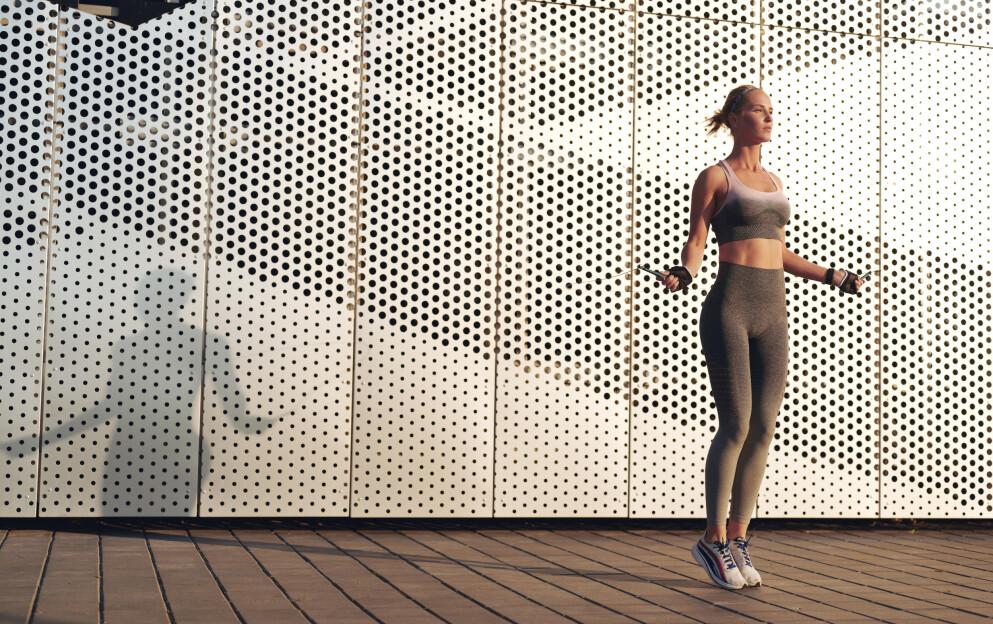 HOPPETAU OG TRENING: Hoppetau er ifølge ekspert et svært effektivt treningsverktøy som passer perfekt til å supplere med annen type trening. FOTO: NTB