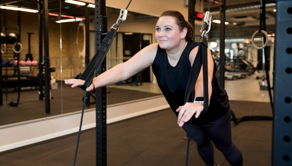 HOLDER SYMPTOMENE I SJAKK: Fysisk aktivitet og sunt kosthold gjør at Mari klarer å holde vekta. FOTO: Vibeke S Myren