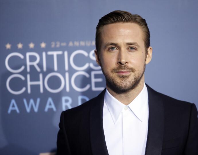 SYMPATISK SUKSESS: Ryan Gosling ankommer Critics' Choice Awards i Santa Monica i 2016. Listen er lang over alle nominasjoner og priser Gosling har mottatt. FOTO: REUTERS/Danny Moloshok/NTB