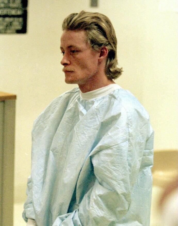 ARRESTERT: John Sansing viste lite følelser da han ble varetektsfengslet 26. februar 1998. FOTO: NTB