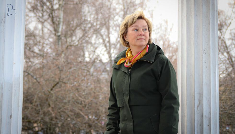 ÅPEN OM SYKDOMMEN: Eli Strand (50) fikk påvist uhelbredelig livmorhalskreft i 2019. Foto: Ida Bergersen