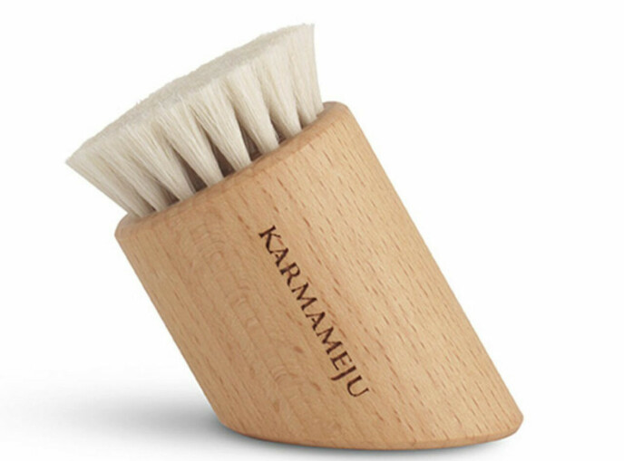 Renew AgeDefence Face Brush (kr 445, Karmameju). FOTO: Produsenten