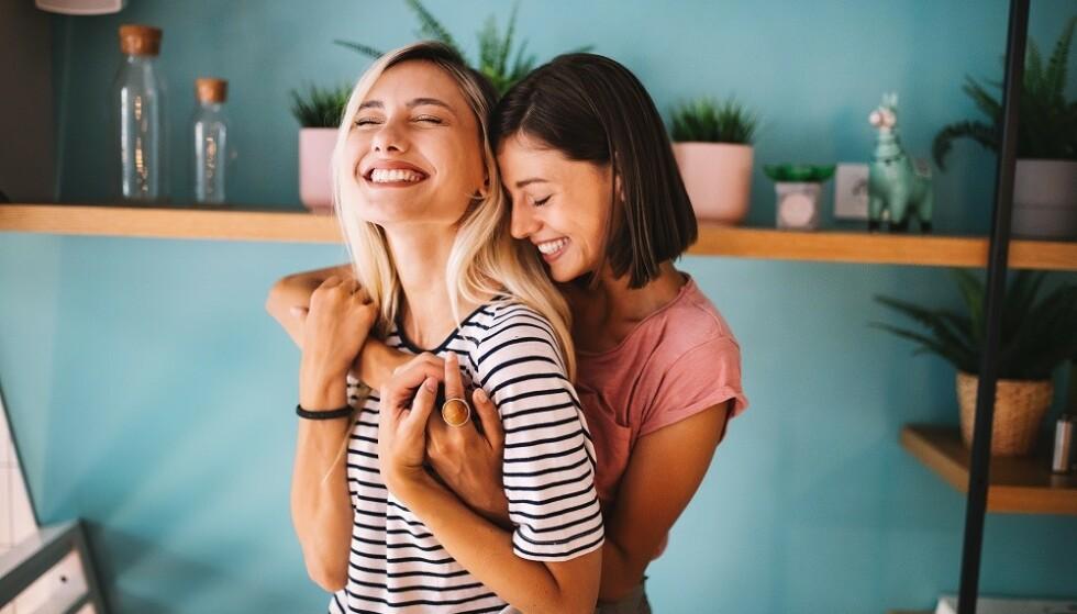 VENNSKAP: Par som klarer å opprettholde et tilfredsstillende sexliv år etter år, har et sterkt vennskap som grunnlaget for deres forhold, sier amerikansk sexpedagog. FOTO: NTB