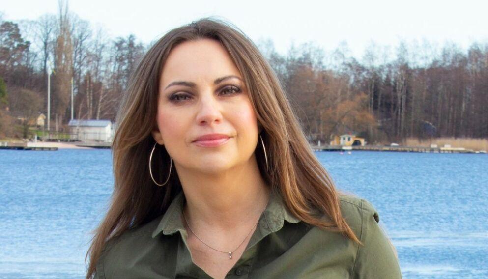 BLENDET AV SJARMEN: Martina Skowronska falt pladask da hun møtte en singel, kjekk og sjarmerende mann på Tinder. Men inntrykket stemte ikke med hva hun fant i sosiale medier, forteller hun. FOTO: Siran Aleksandrian Wahlman