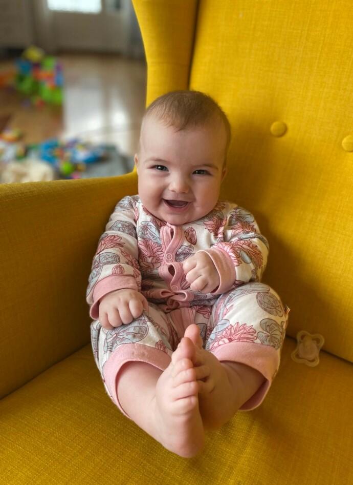 NUMMER FIRE: Attpåklatten Leona kom inn i familien Egnersson i 2020. FOTO: Privat