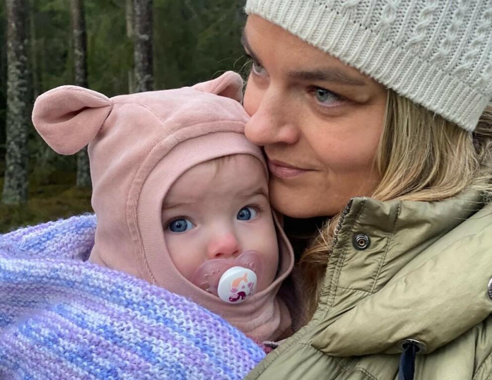DRAVET SYNDROM: Da Charlotte fødte sitt fjerde barn hadde hun levd i fem år med en alvorlig syk sønn. Så kom usikkerheten: var det noe galt med Leona også? FOTO: Privat