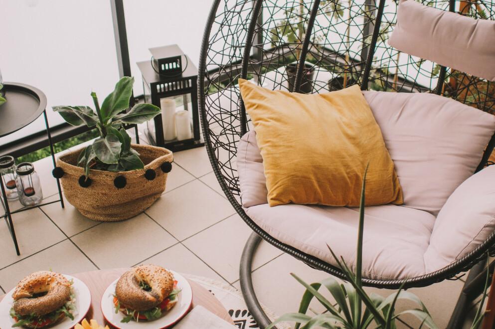 INNREDE UTEPLASSEN: Vi har funnet noen skikkelig fine interiørfunn til balkong, terrassen, verandaen eller hva det måtte være. Foto: NTB