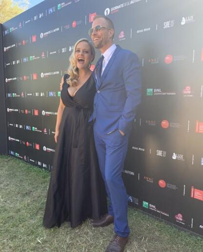 SIDEKICK: Henriette Steenstrup med ektemannen Rune Assmann ved sin side på et kjendisevent. FOTO: Privat