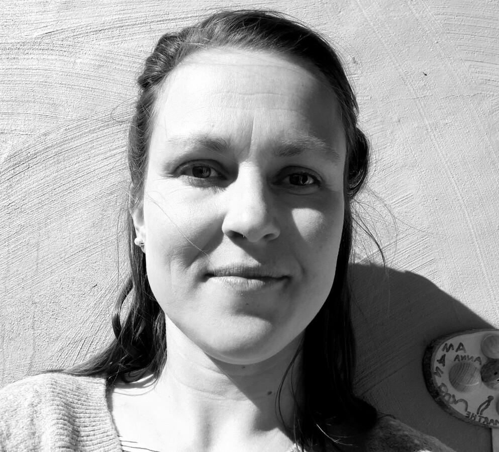 SETTER ORD PÅ DET: Marthe ble slått i bakken av fødselsdepresjon etter at det andre barnet kom til verden. Nå skriver hun i KK om hvor mye hun skammet seg. FOTO: Privat.