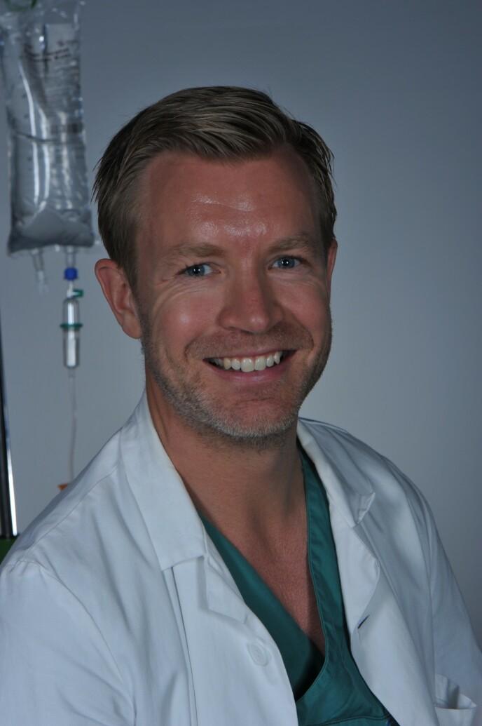 Plastikkirurg Thomas Berg ved Cosmo Clinic. FOTO: Kari Samuelsen