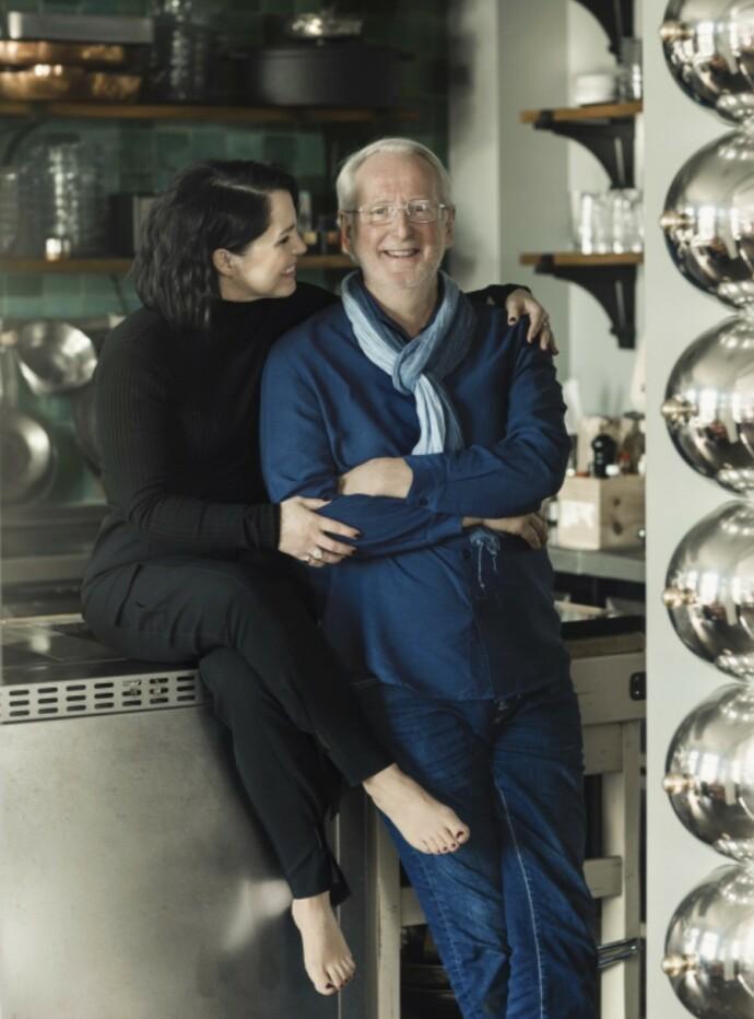 STOR KJÆRLIGHET: Anita Rennan og Eyvind Hellstrøm er lykkelige og har laget flere kokebøker sammen. Anita er fotograf og designer på bøkene, og jobber også i TV2. FOTO: Astrid Waller.