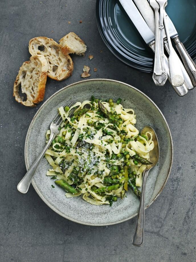 En god pastarett kan lages med alle typer pasta, både fullkorn og glutenfri hvis du ønsker det. FOTO: Columbus Leth