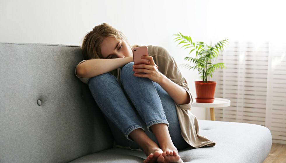 SOSIALE MEDIER: - Paradokset med sosiale medier er at de har potensiale til både å bygge opp og rive ned selvbildet vårt. FOTO: NTB
